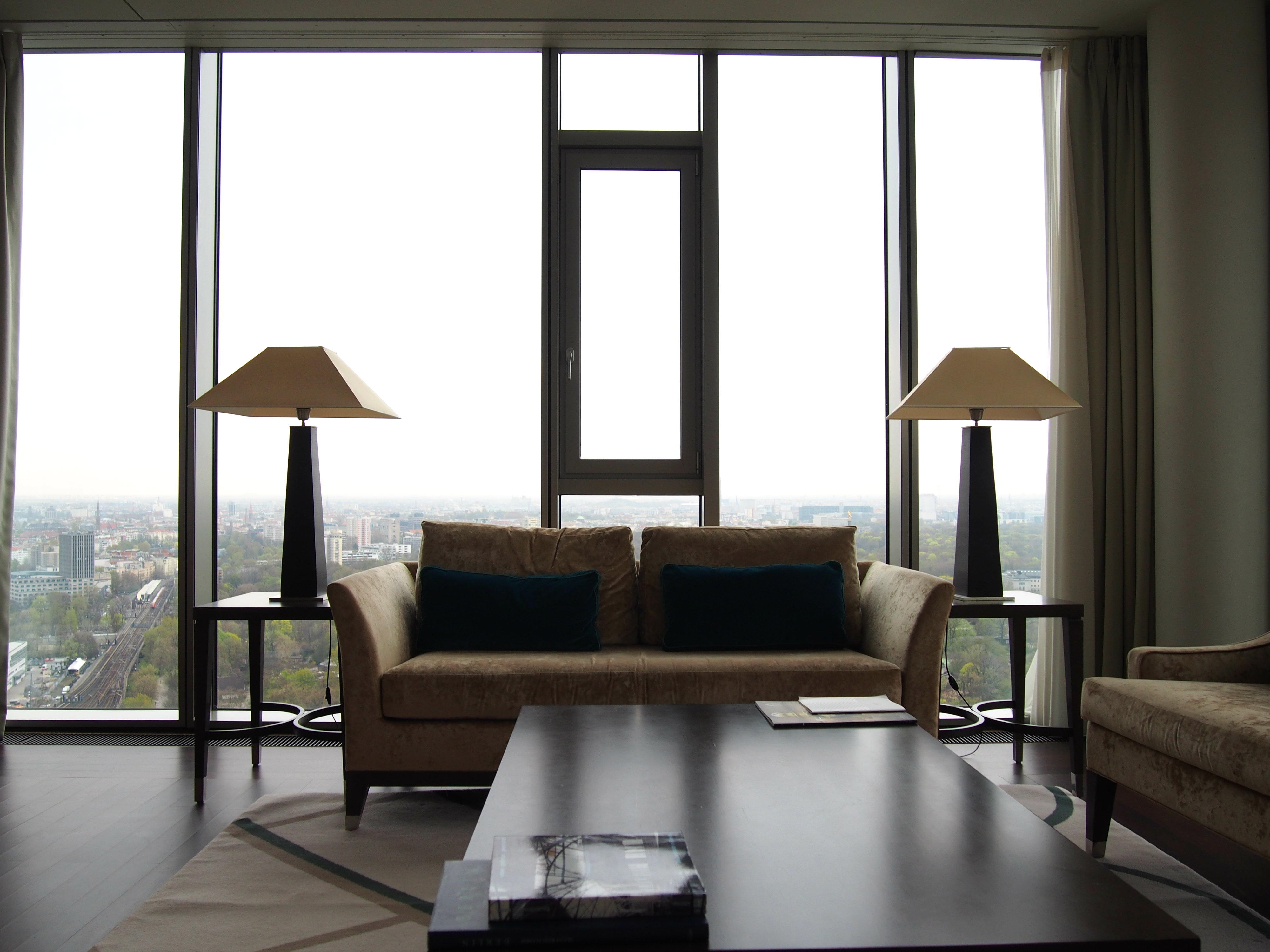 Waldorf Astoria Berlin Tower Suite livingroom 4