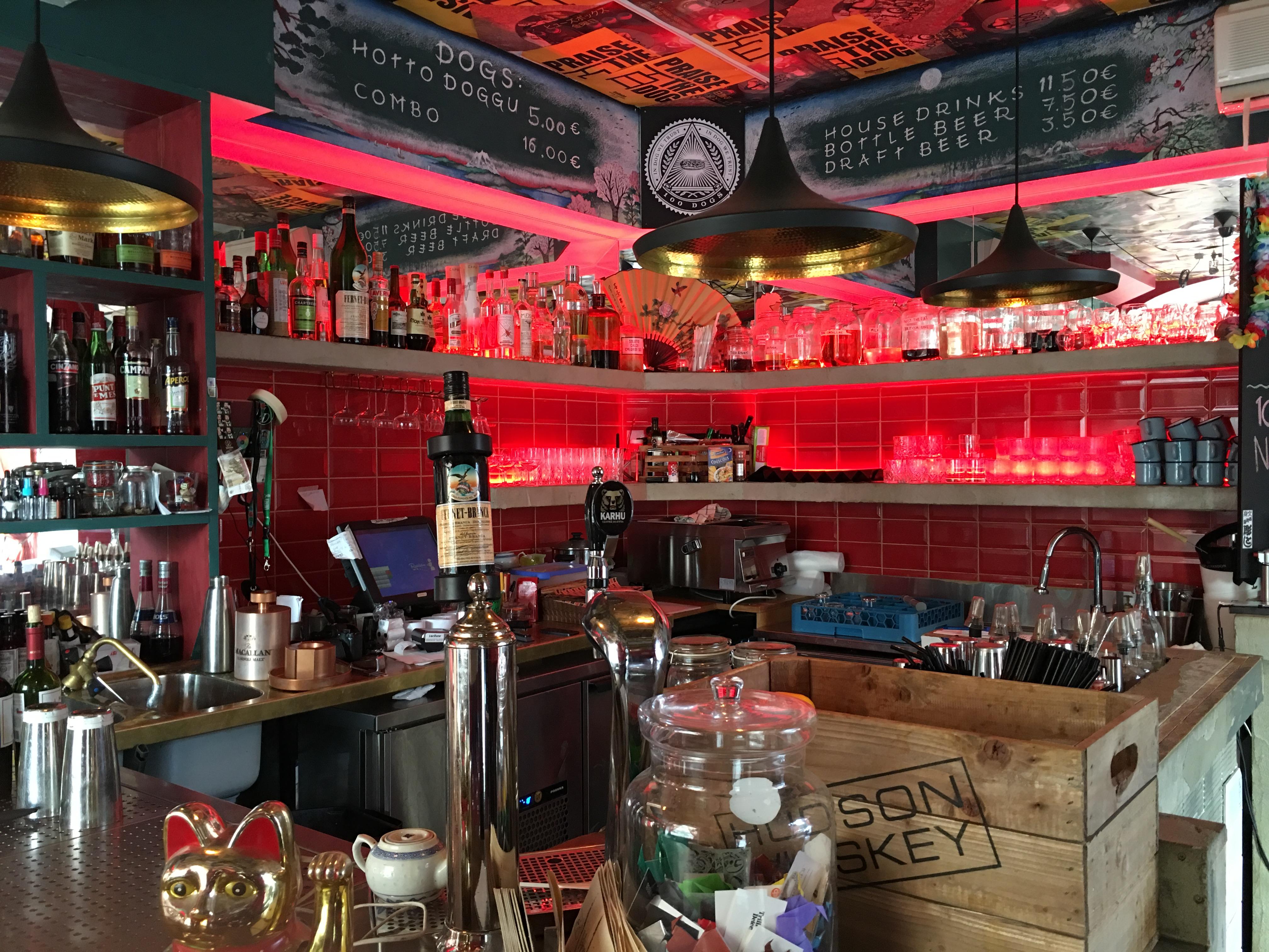 cocktail bar in helsinki 100 dogs 1