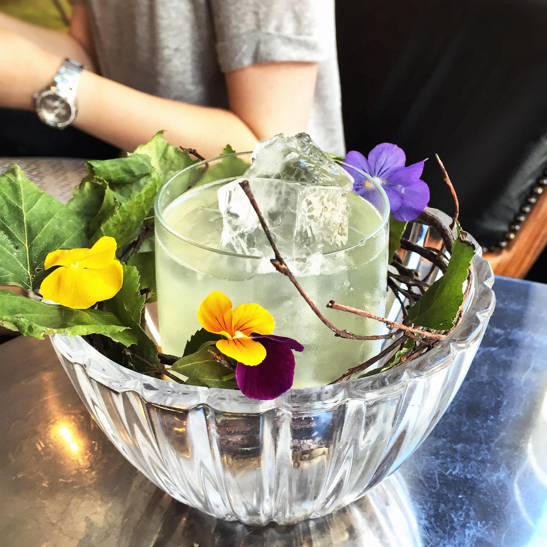 cocktail bar in helsinki lilla e 2