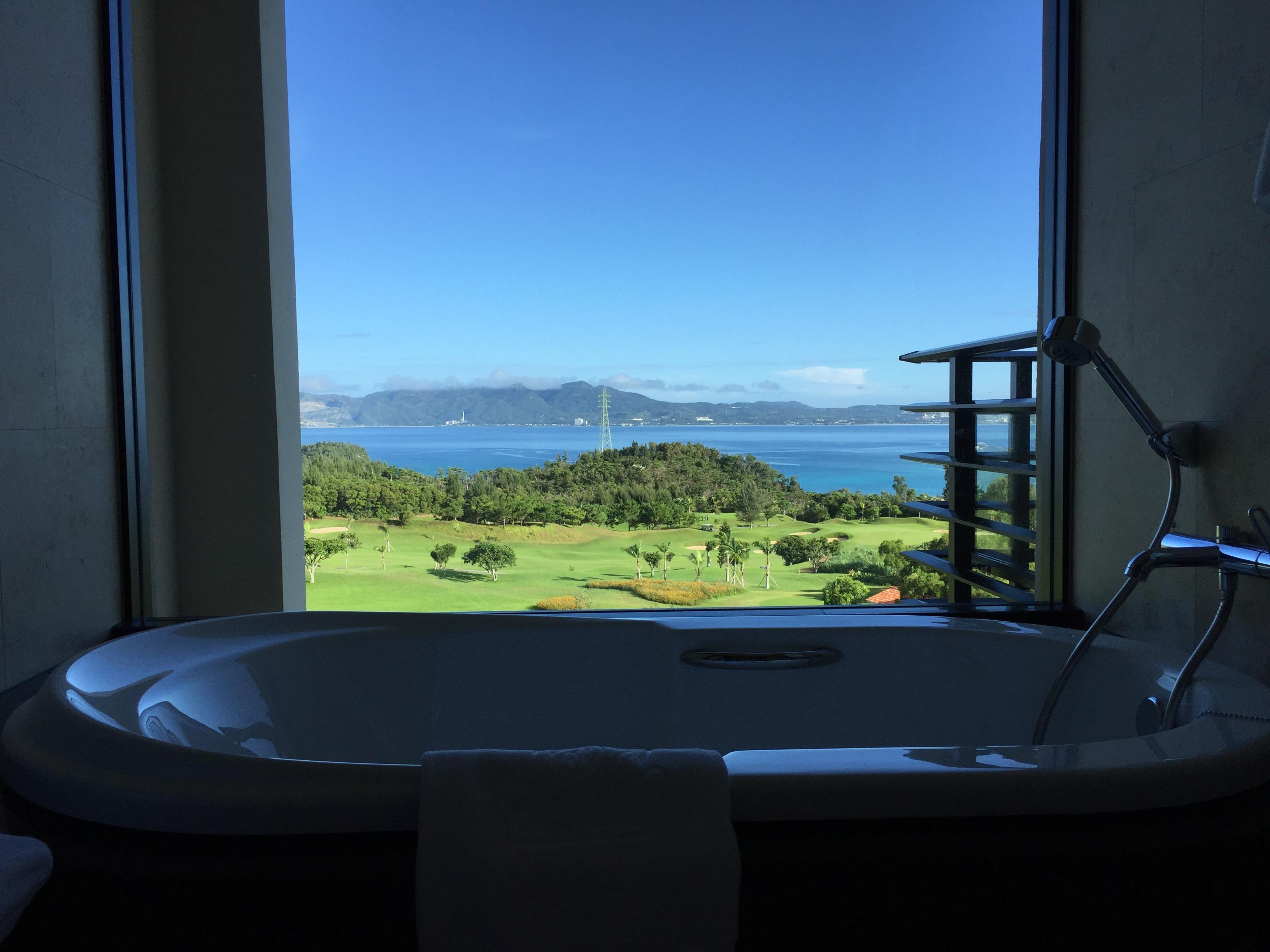 Ritz-Carlton Okinawa bathtub view