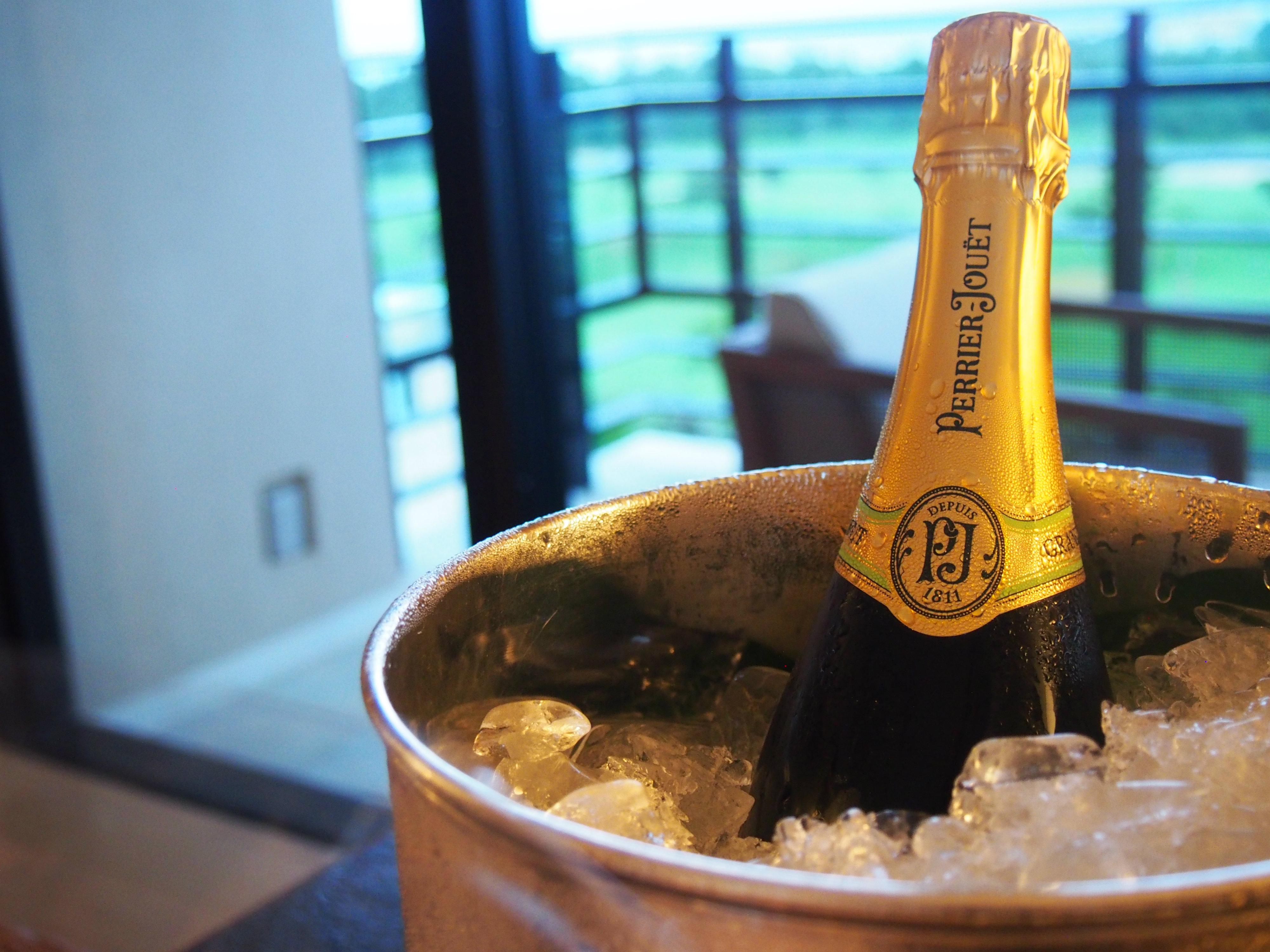 Ritz-Carlton Okinawa champagne