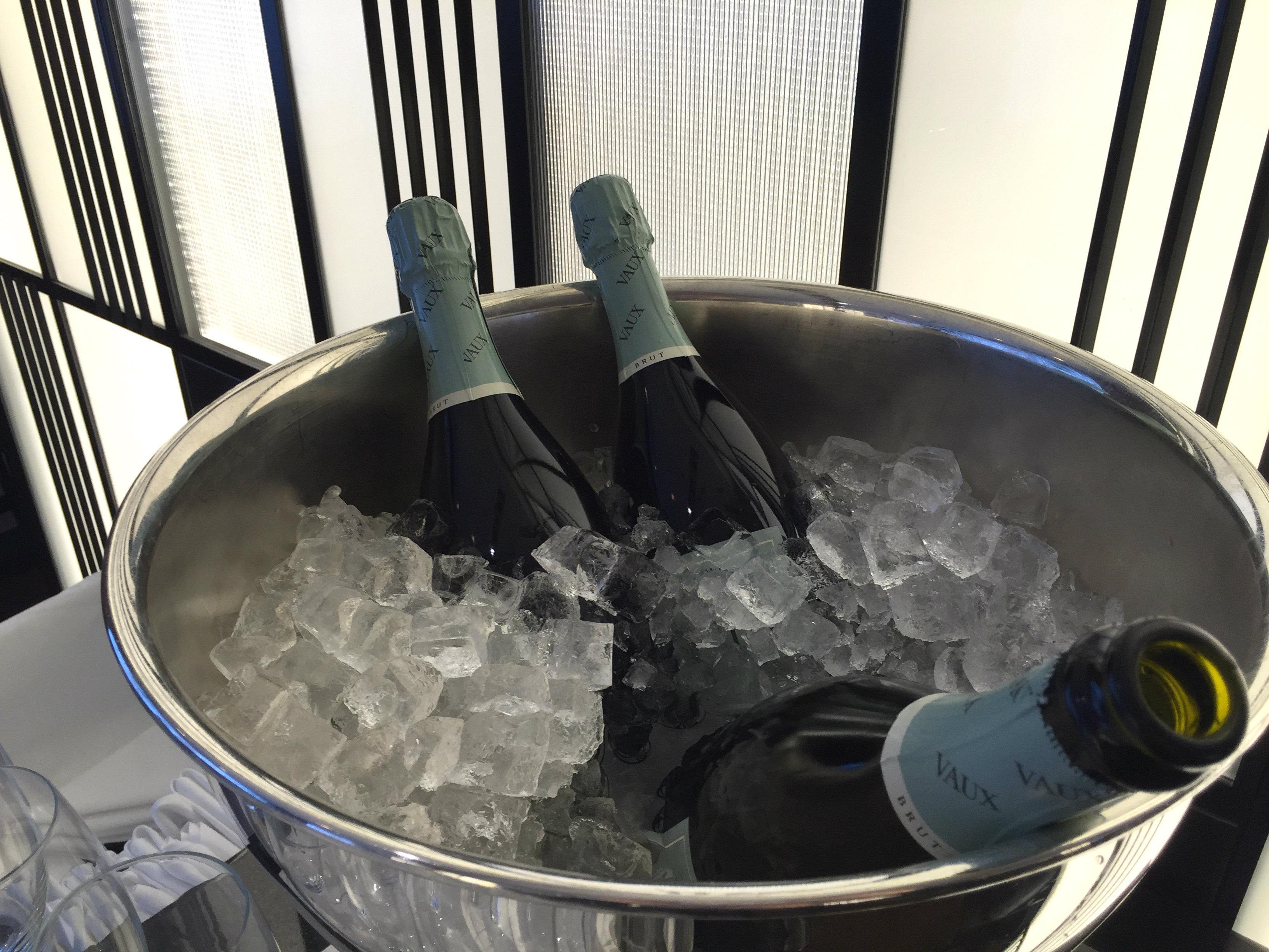 Waldorf Astoria Berlin aamiainen sparkling wine