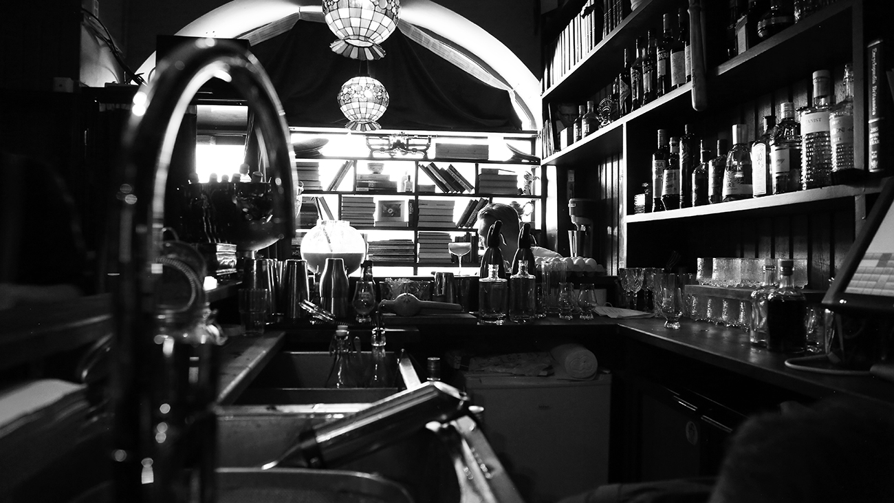 cocktail bar in helsinki books and antiques 2